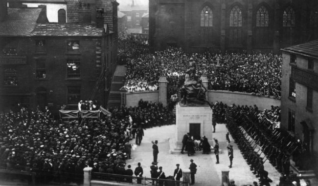 Black and white photograph of the unveiling ceremony of Oldham war memorial