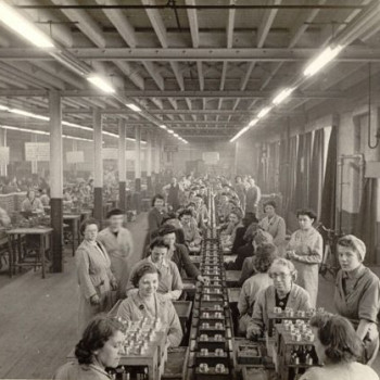 Women on factory production line during WW2