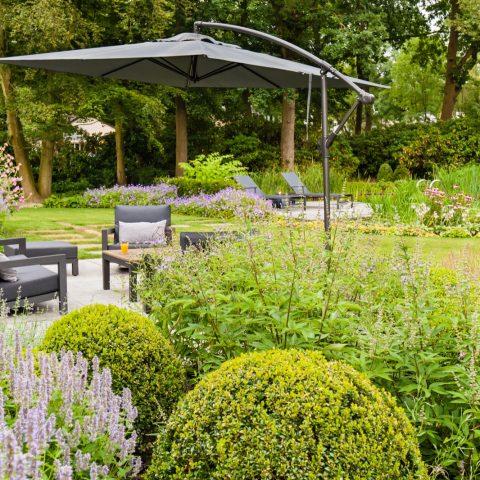 Garden with swimming pond in Nuenen