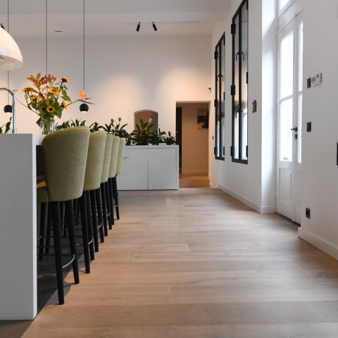 Oak plank floor extra wide and long
