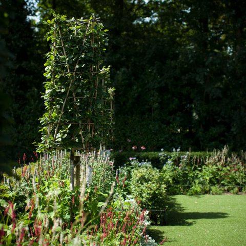 Villa garden Garderen