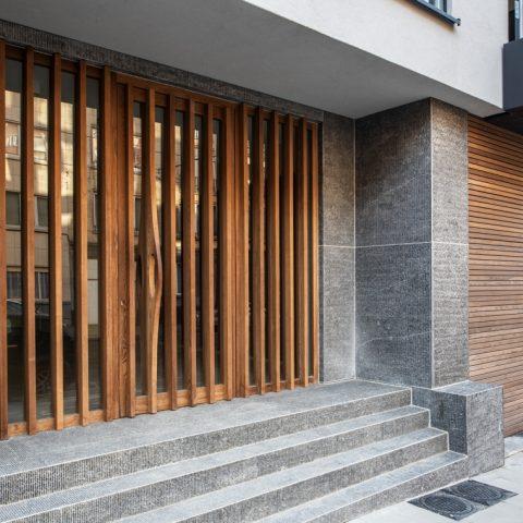 Front door and garage gate in HOTwood ash