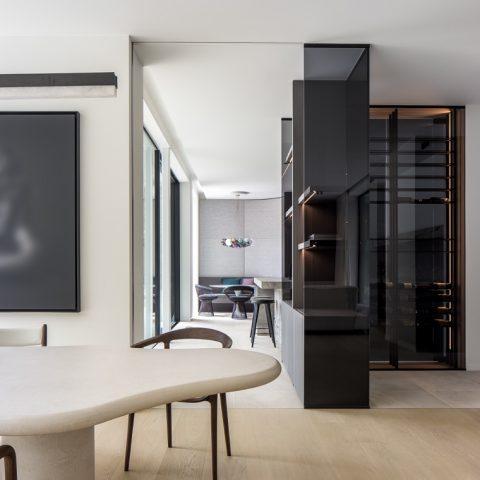 Houten vloer in mansion weave motief in villa Knokke