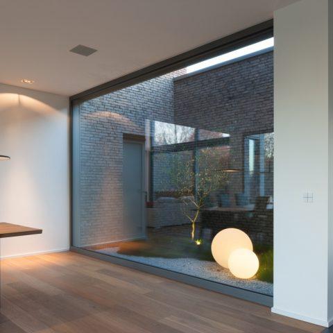 Zuiver eiken in minimalistische woning