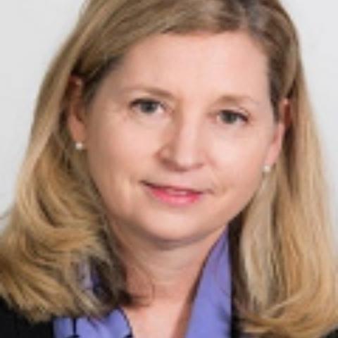 Portrait photograph of Denise Wright
