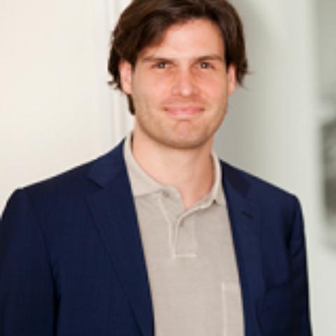 Portrait photograph of Daan Elffers