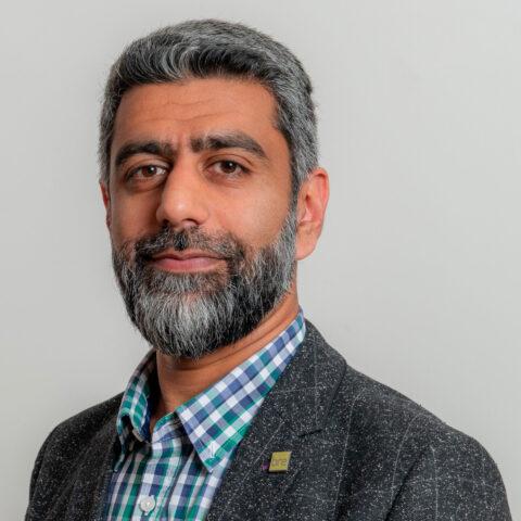 Portrait photograph of Shamir Ghumra