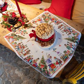 "Tessitura Toscana Telerie, ""Schiaccianoci"", Pure linen printed tablecloth."