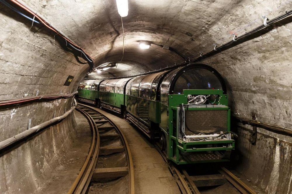 Mail Rail 3