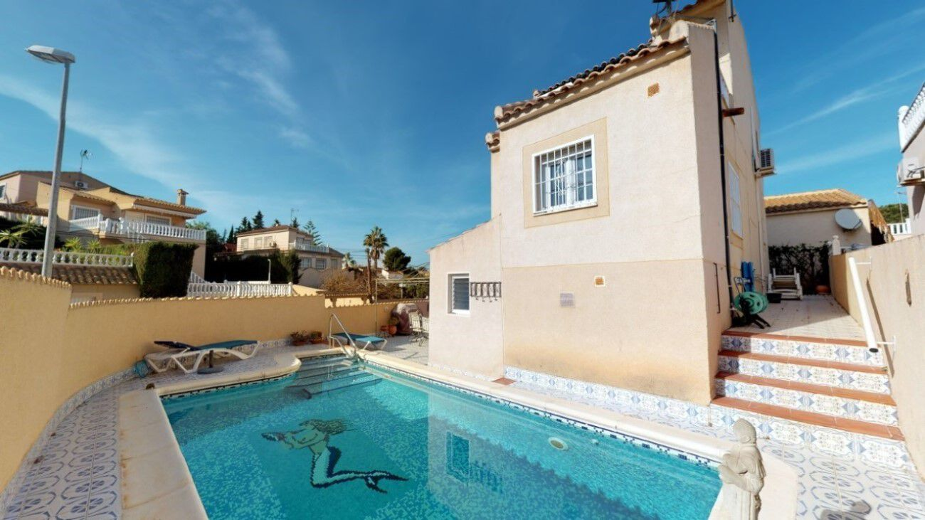 Ref:EAC1000089 Villa For Sale in Torrevieja