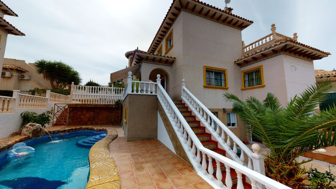 Ref:TFSHO183 Villa For Sale in La Zenia
