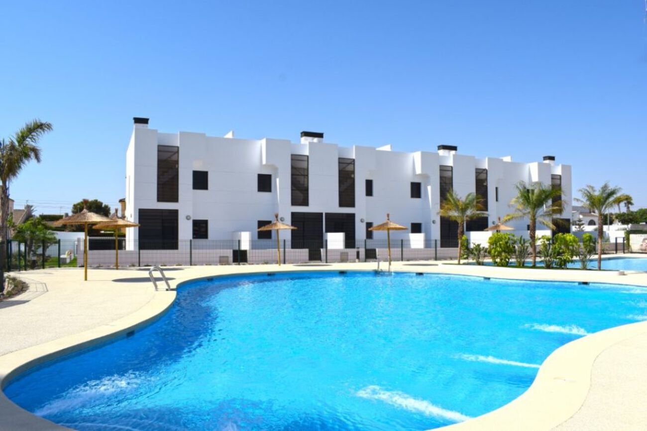 Ref:M2000671 Apartment For Sale in Mil Palmeras