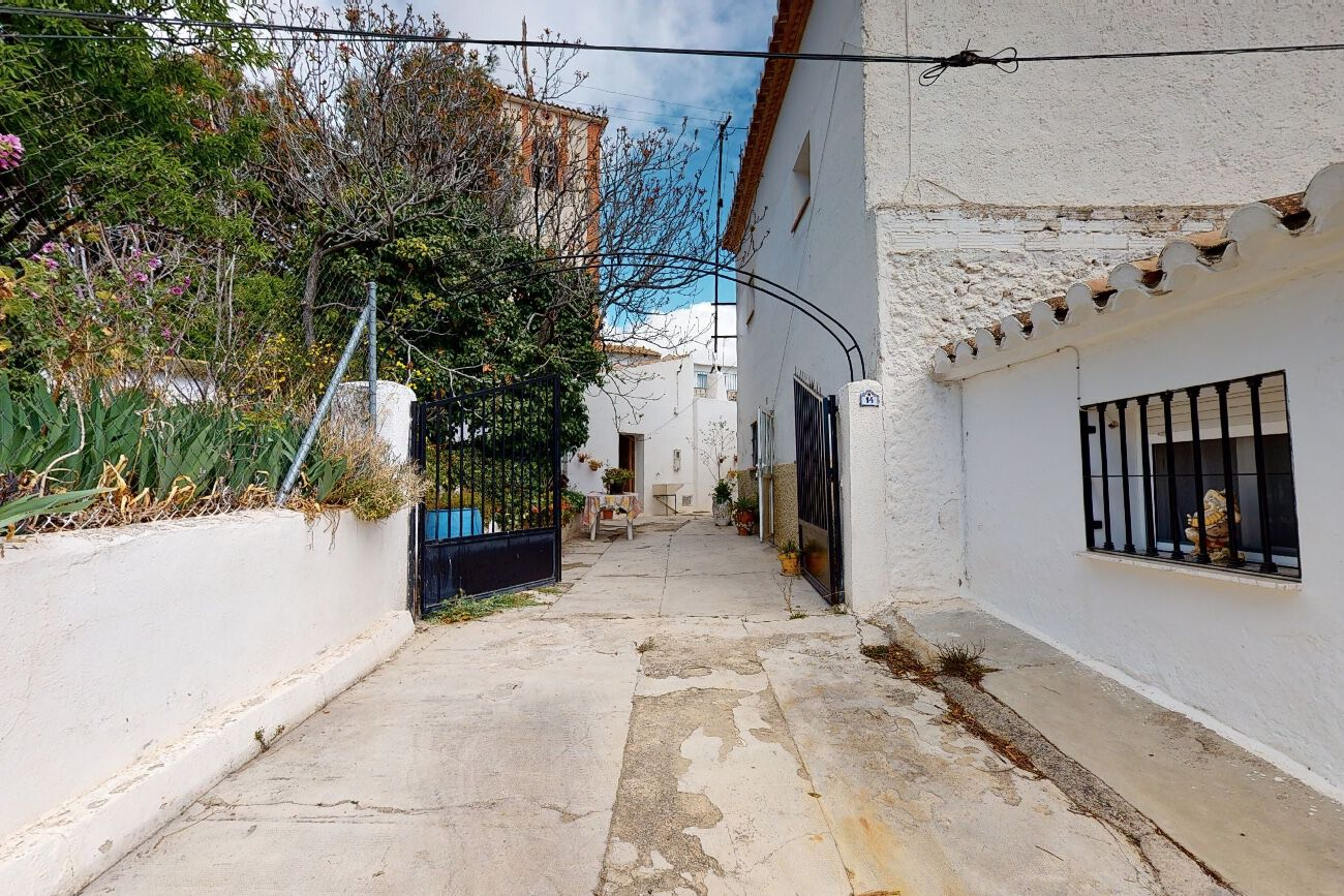 Townhouse for sale in Baza, Baza