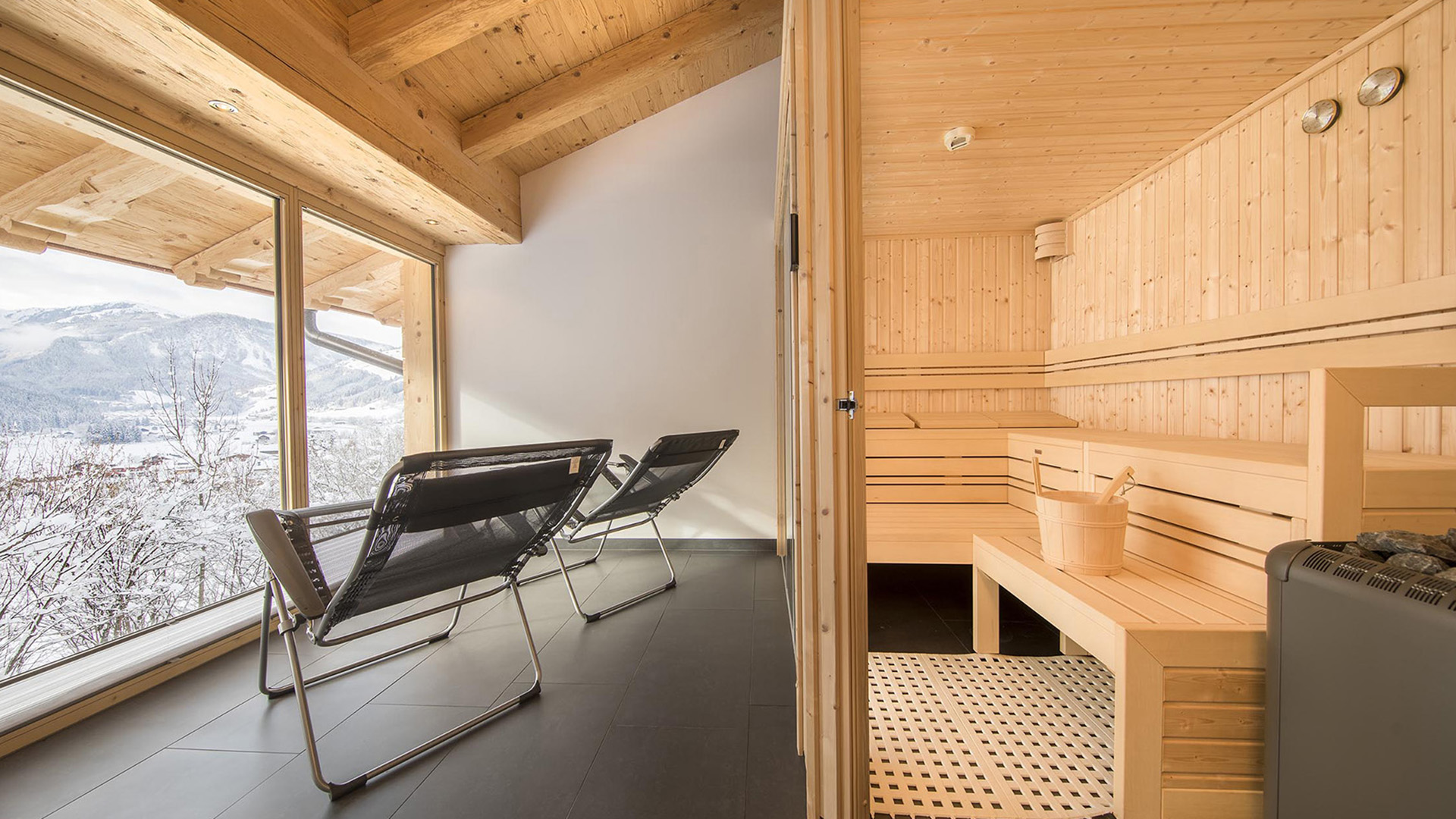 Forest Penthouse Apartments, Austria