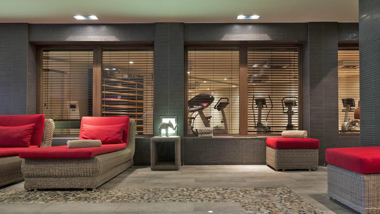 Manali Lodge Apartments, France