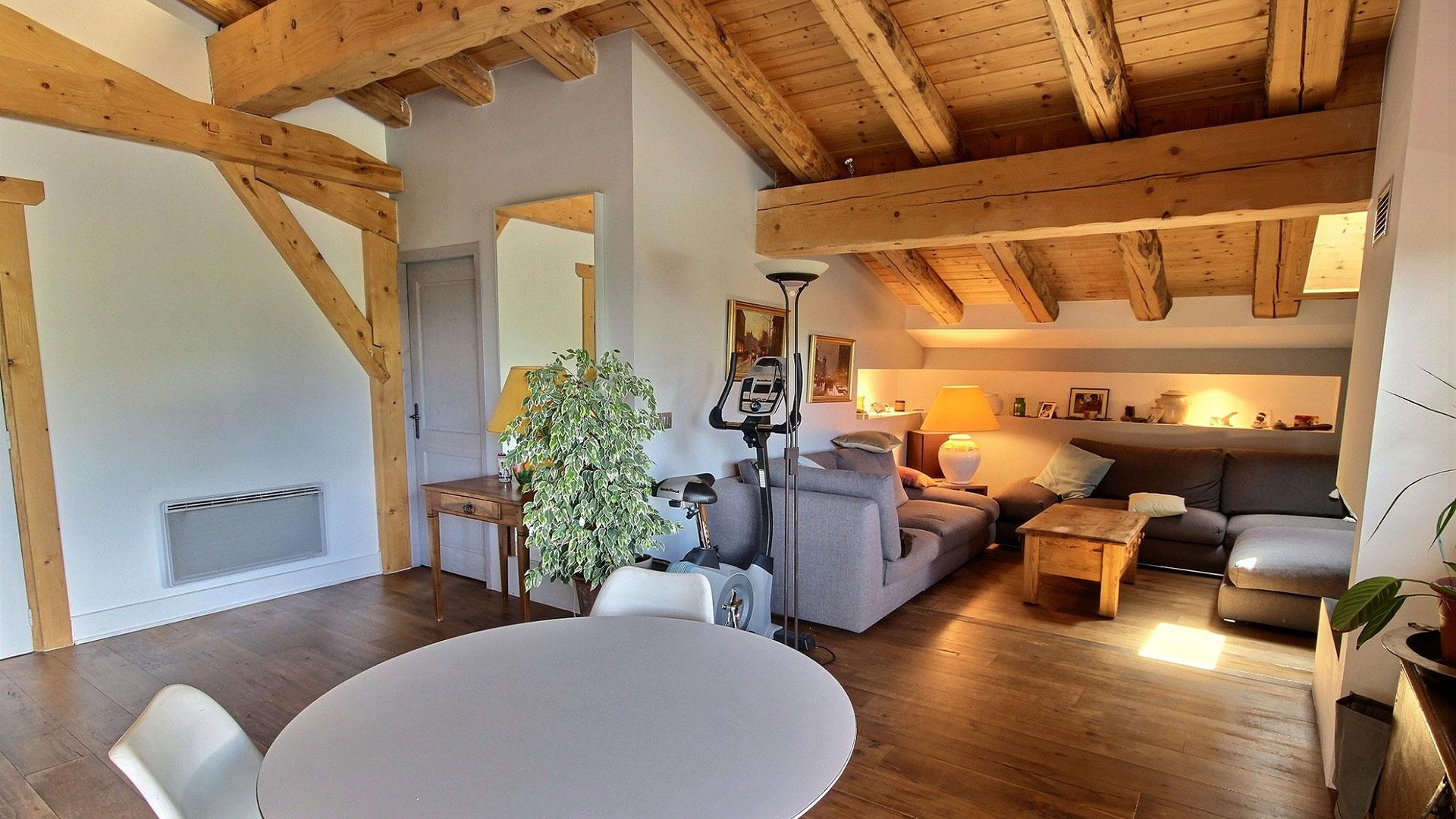 Laclos Apt Apartments, France