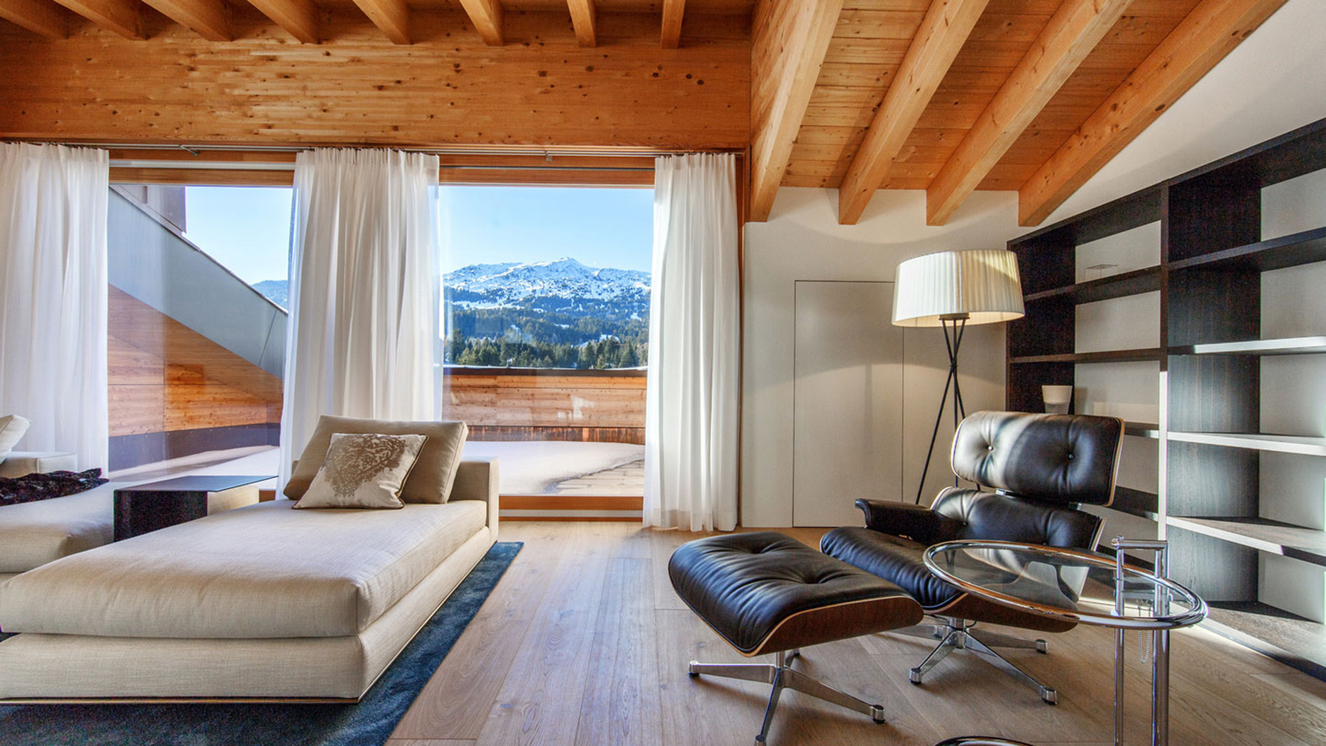 The Corona Suite Apartments, Switzerland