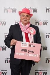 Alan_Campbell_MP_wear_it_pink_web.jpg