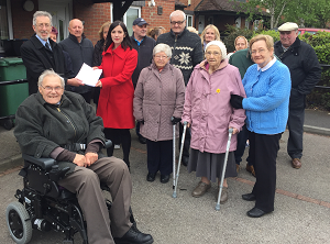 Bridget_Phillipson_MP_meets_and_receives_petition_from_Plains_Farm_residents_02.06.2016.png