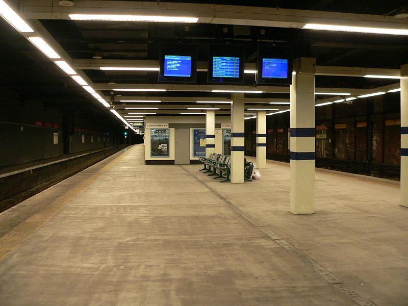 800px-Sunderland_station_Metro_platforms.jpg
