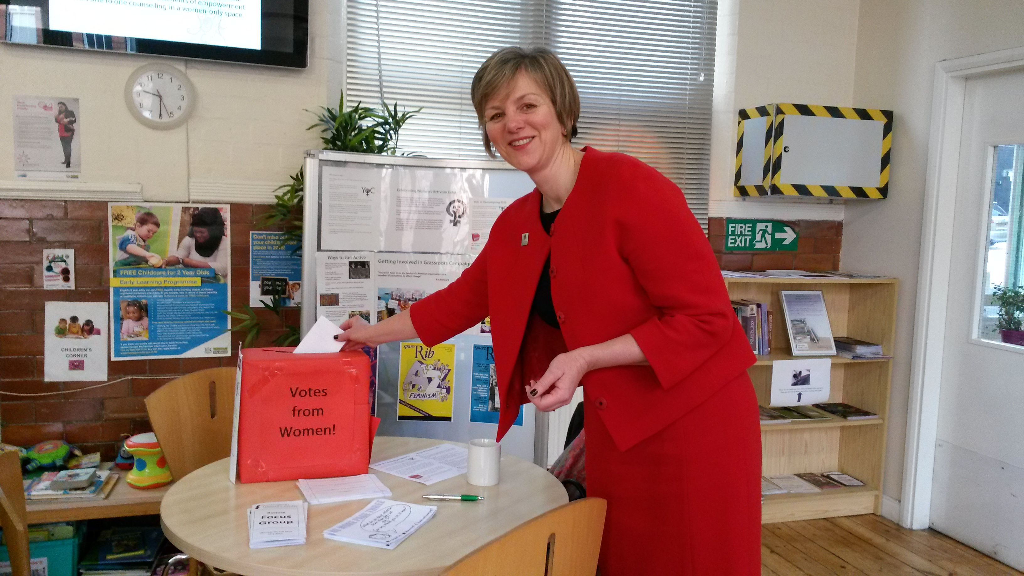 Lilian_visits_Nottingham_Womens_Centre.jpg