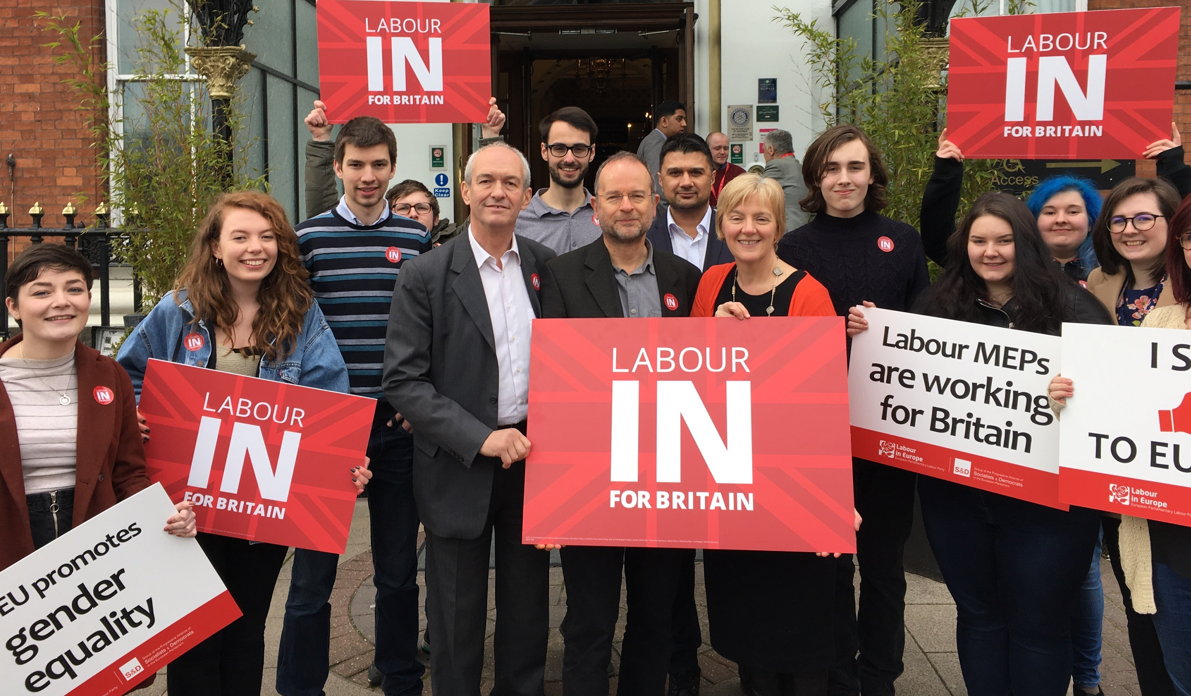 Labour_In_for_Britain_group_photo.jpg
