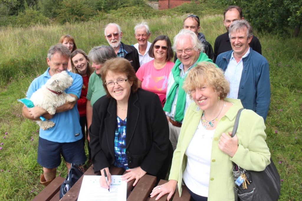 Rosie_Cooper_MP_signs_the_Pledge_for_the_Environment_with_The_Lancashire_Wildlife_Trust_CEO_Anne_Selby_by_Alan_Wright.JPG