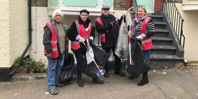 Litter picking gang in Ramsgate's Eastcliffe