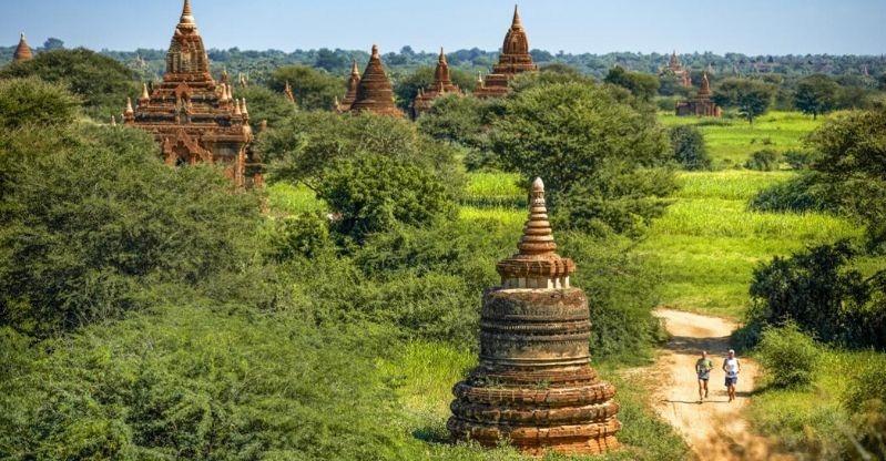 Bagan Temple Marathon runners