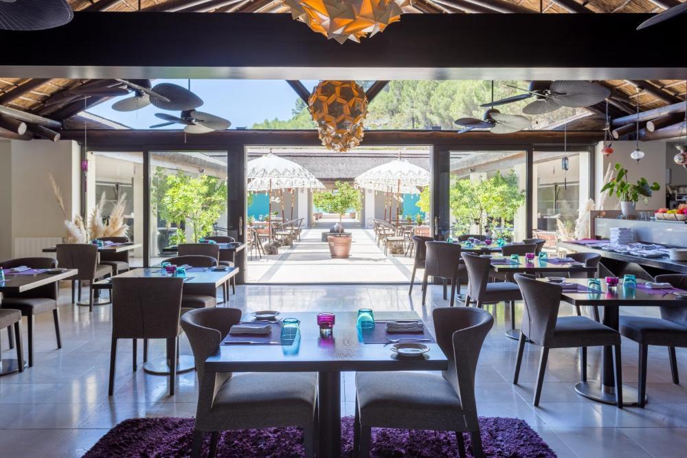 Dinning room at Shanti-Som Detox Retreat