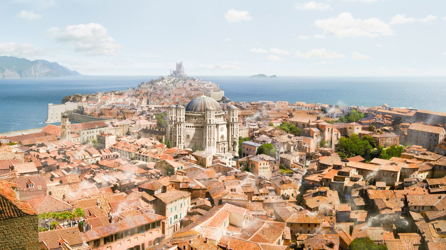 Game of Thrones Tour - turquoise ocean and sandy city walls of Dubrovnik, Croatia