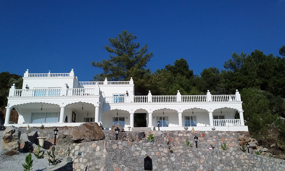 Palace Gokbel villa