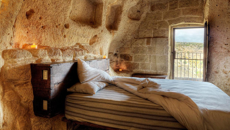 Bedroom at Le Grotte della Civita