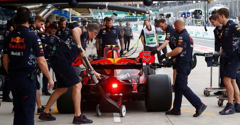Brazilian Grand Prix car refeuling