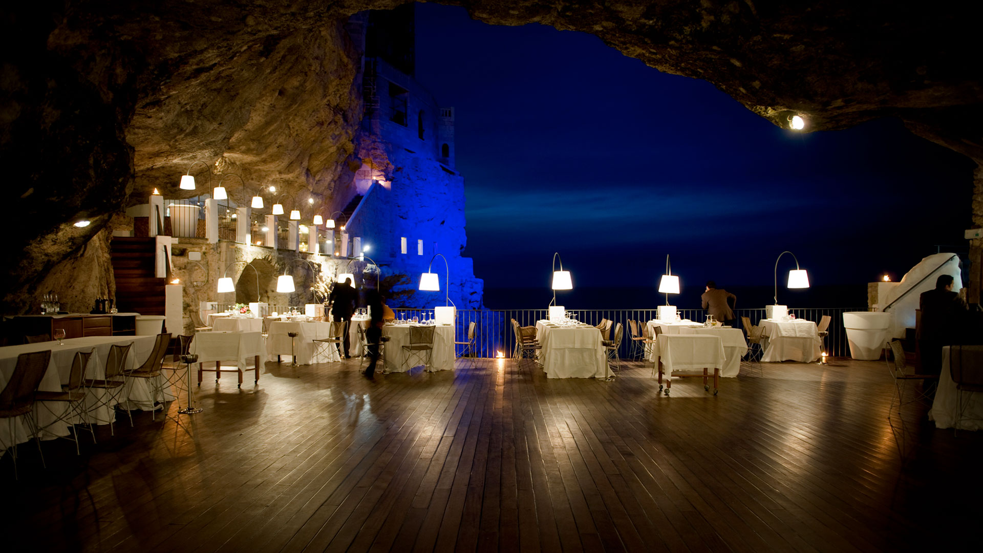 Night time view of Ristorante Grotta Palazzese restaurant