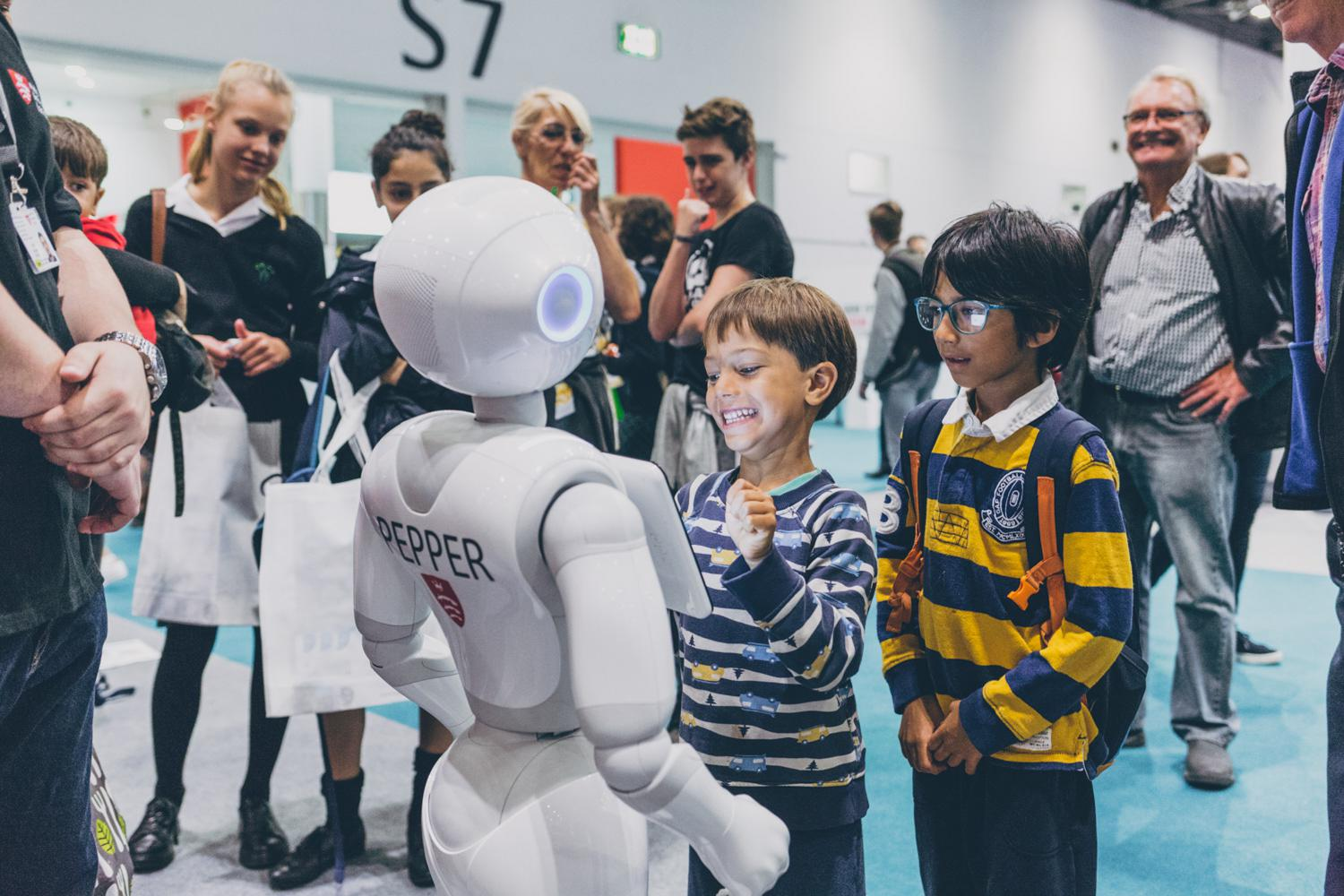 Kids interacting with robot at New Science Live