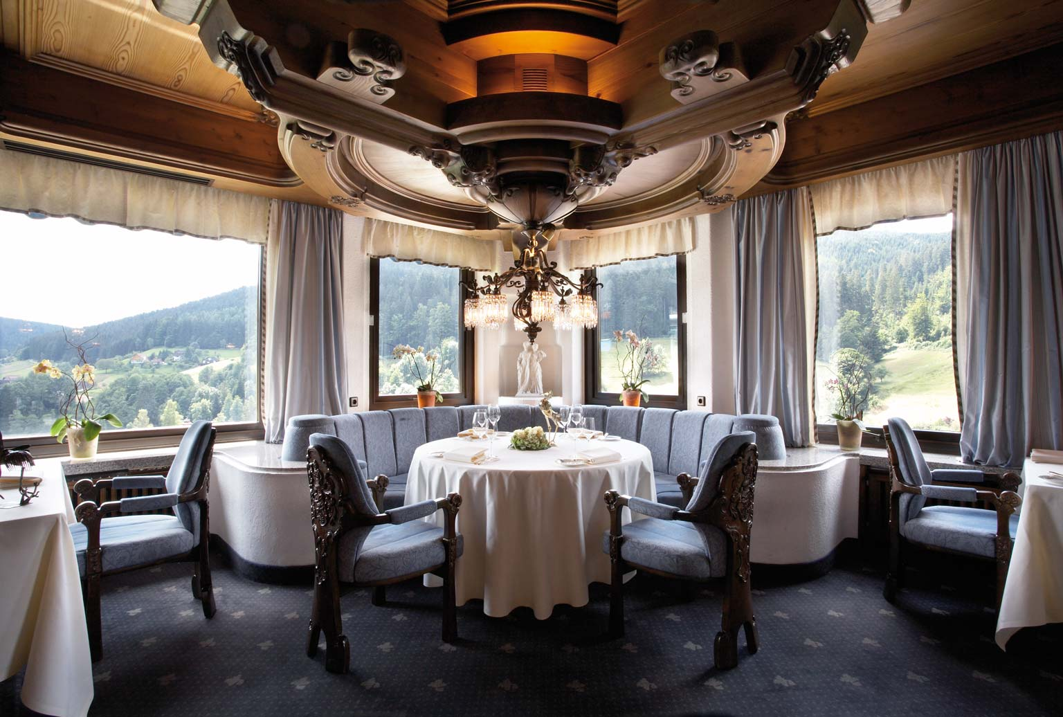 germany traubbe tonbach hotel and Michelin Star restaurant dinner room open view