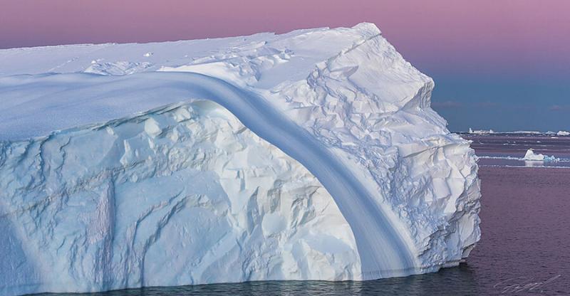 iceberg antarctica photography tour