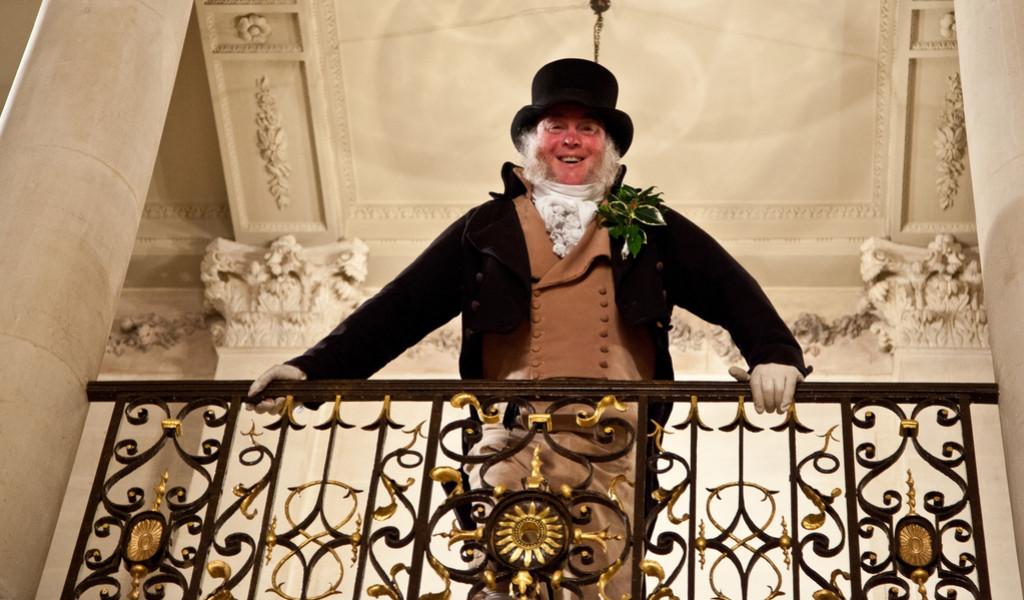 actor dressed as mr bennett on jane austen tour