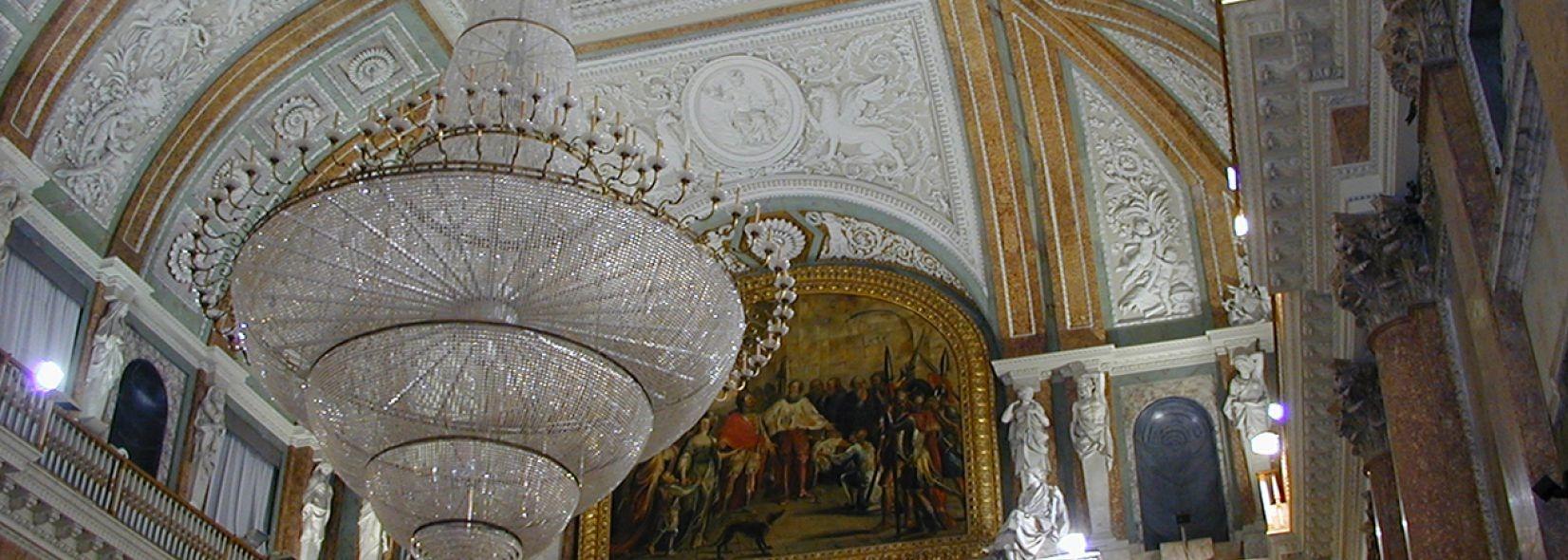 chandalier in palazzo ducale