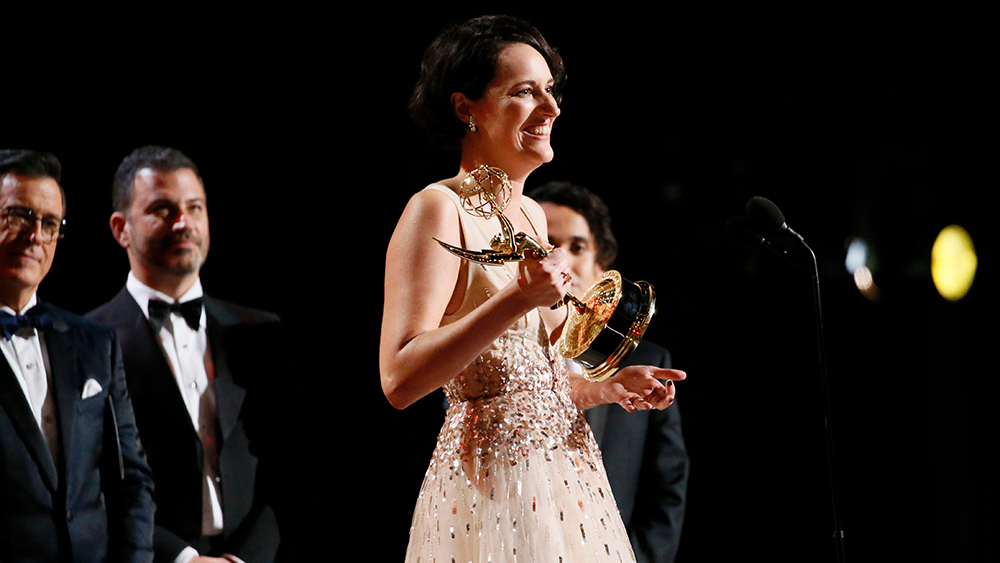 phoebe waller bridge accepts emmy award at primetime emmys