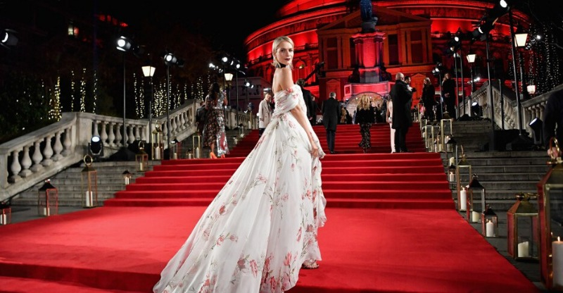celeb on red carpet at british fashion awards