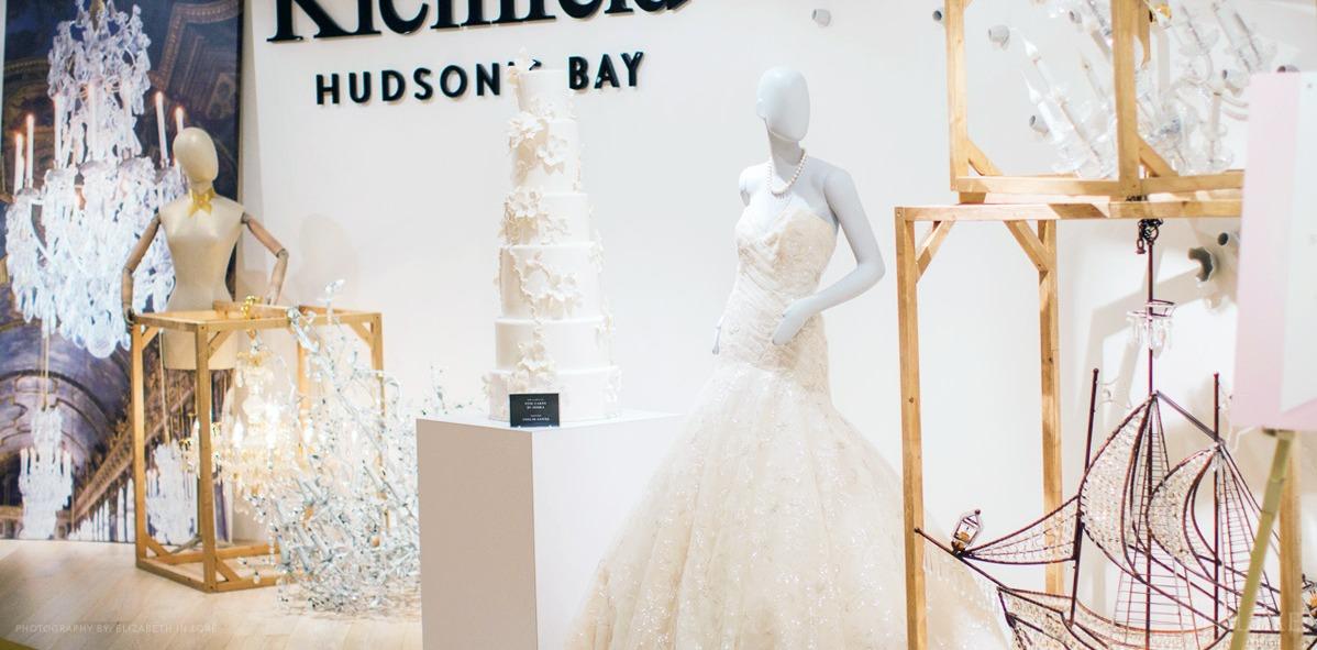 wedluxe show glamorous wedding dress display