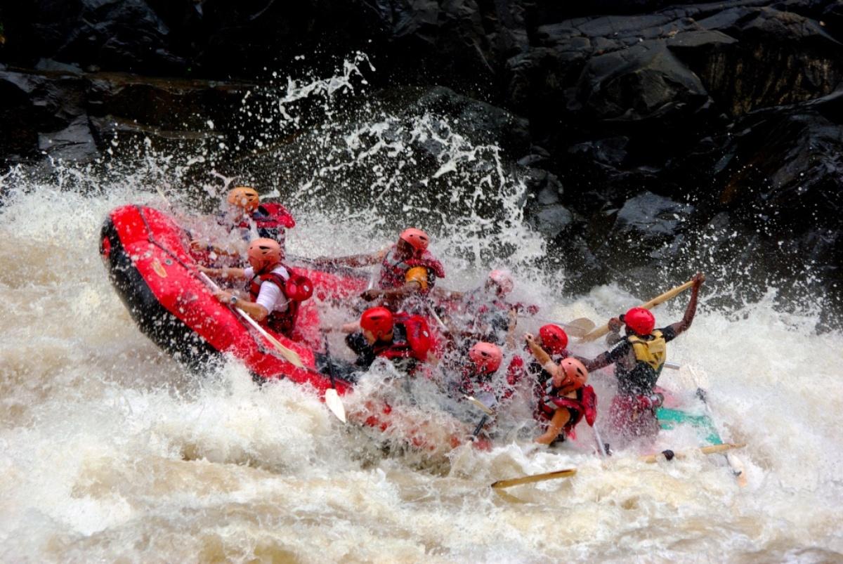 white water rafting on the zambezi