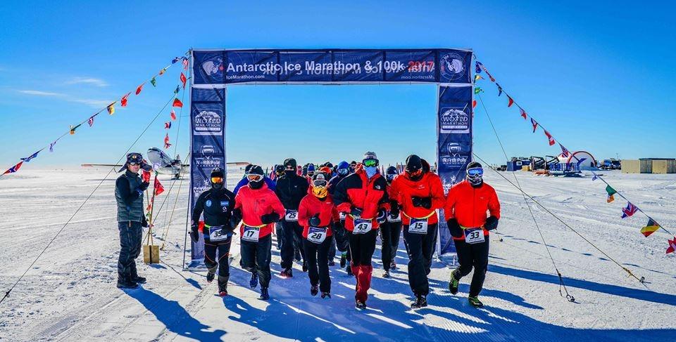 antarctic ice marathon runners at start