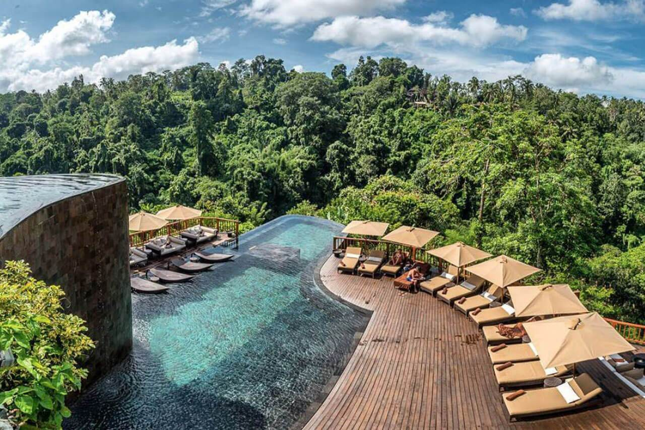 pool and loungers at hanging gardens of bali