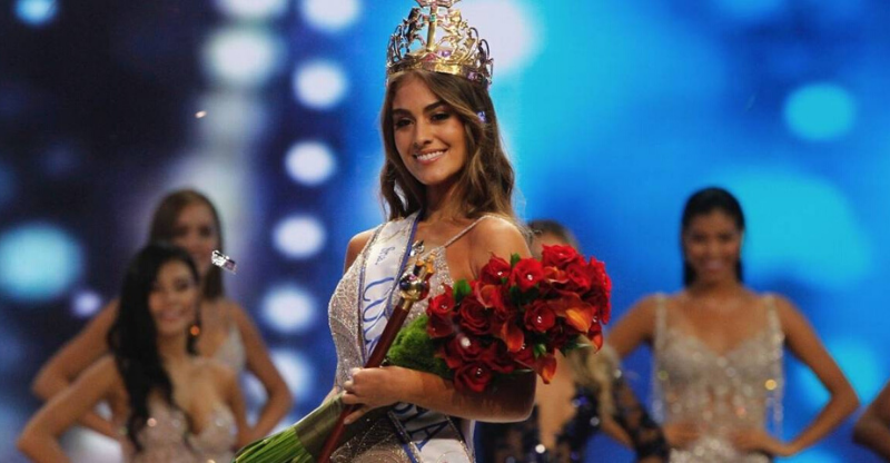 miss colombia contest winner with flowers and crown