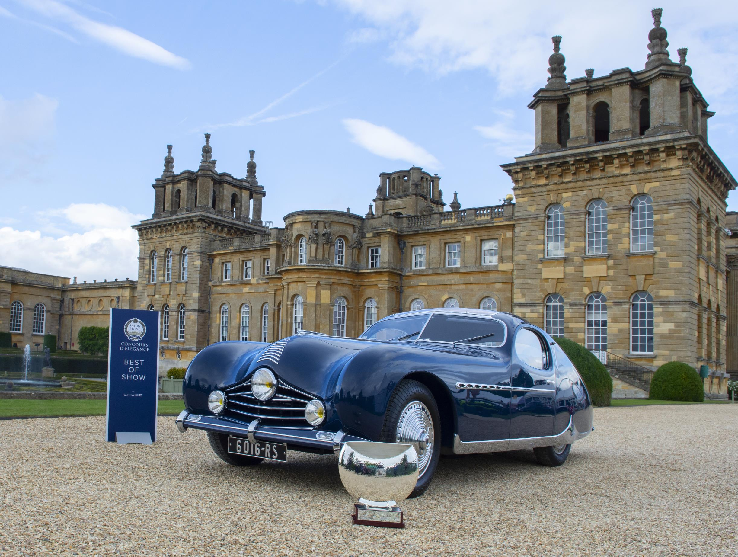 salon prive classic car in front of blenheim palace
