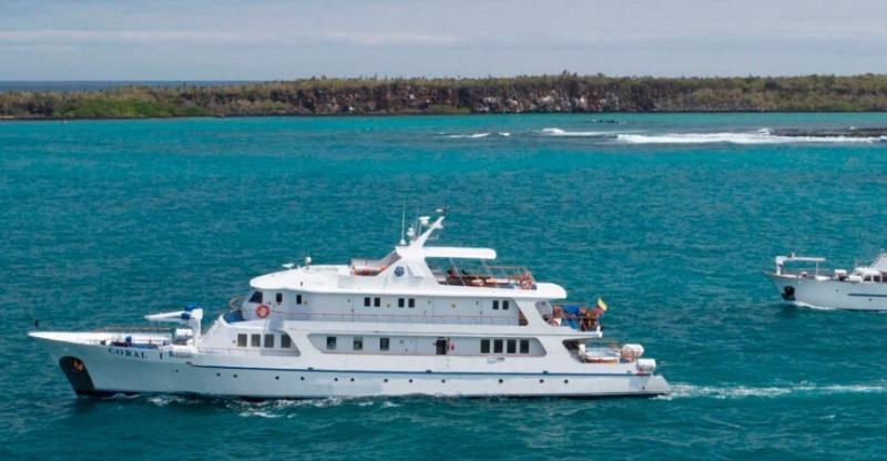 Cruise ships on Galapagos and Machu Pichu tours