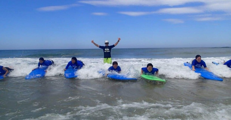 group learning to surf at margaret river surf school